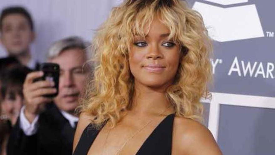 Rihanna y Chris Brown se declaran con la música