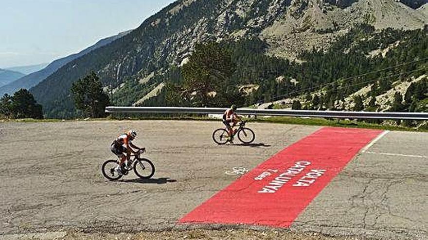 Vallter 2000 pinta onze revolts per retre un homenatge al ciclisme