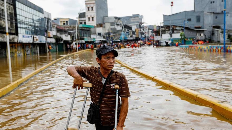 Al menos 16 muertos por las inundaciones en Indonesia