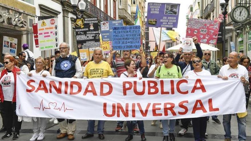 """Canarias sale a la calle por una """"sanidad digna"""""""