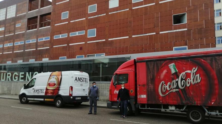 Bodegas Atanes reparte 10.000 botellines de agua en Zamora