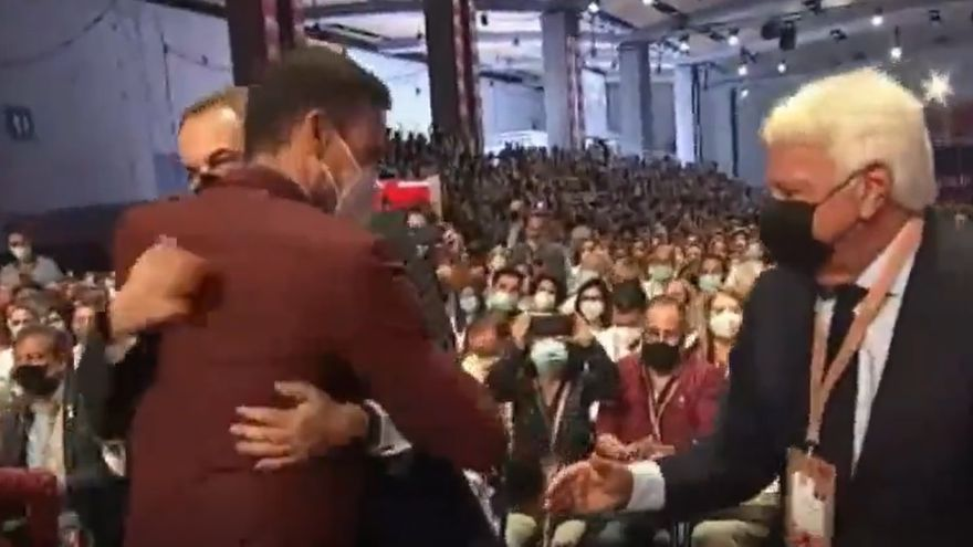 Sánchez abraça González i Zapatero i tanca les ferides del passat