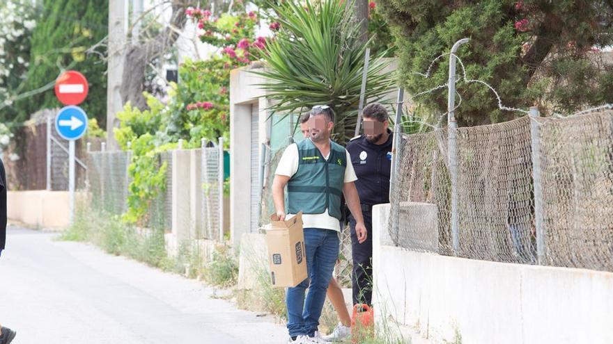 La Guardia Civil reanuda la búsqueda del cuerpo de Nuria Escalante en una casa okupada de Sant Antoni, en Ibiza