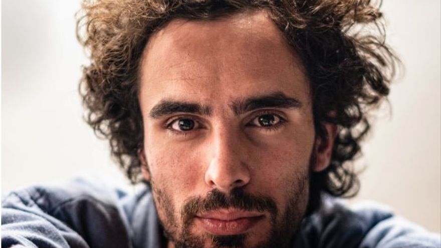 Hugo Scoccia: «Em fa la mateixa por el boig conspiranoic que el submís que no posa en dubte res»