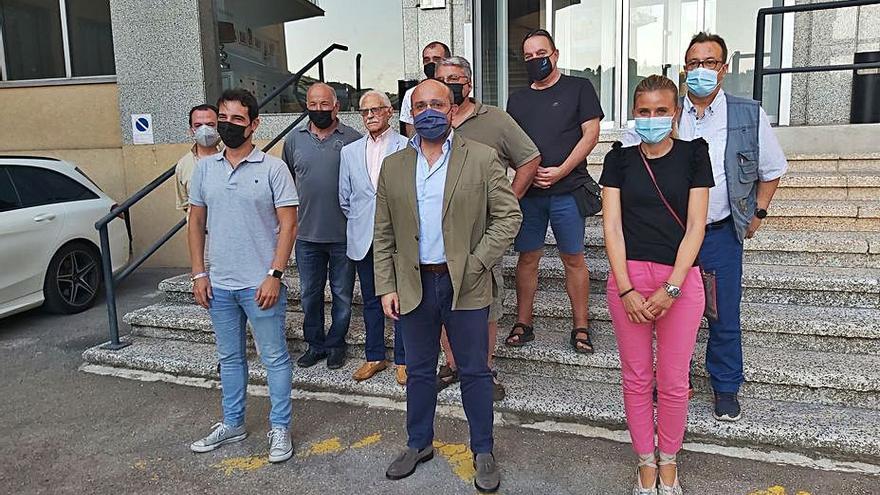 El cap del PP català rebutja entrar en la polèmica de la llengua generada per Casado