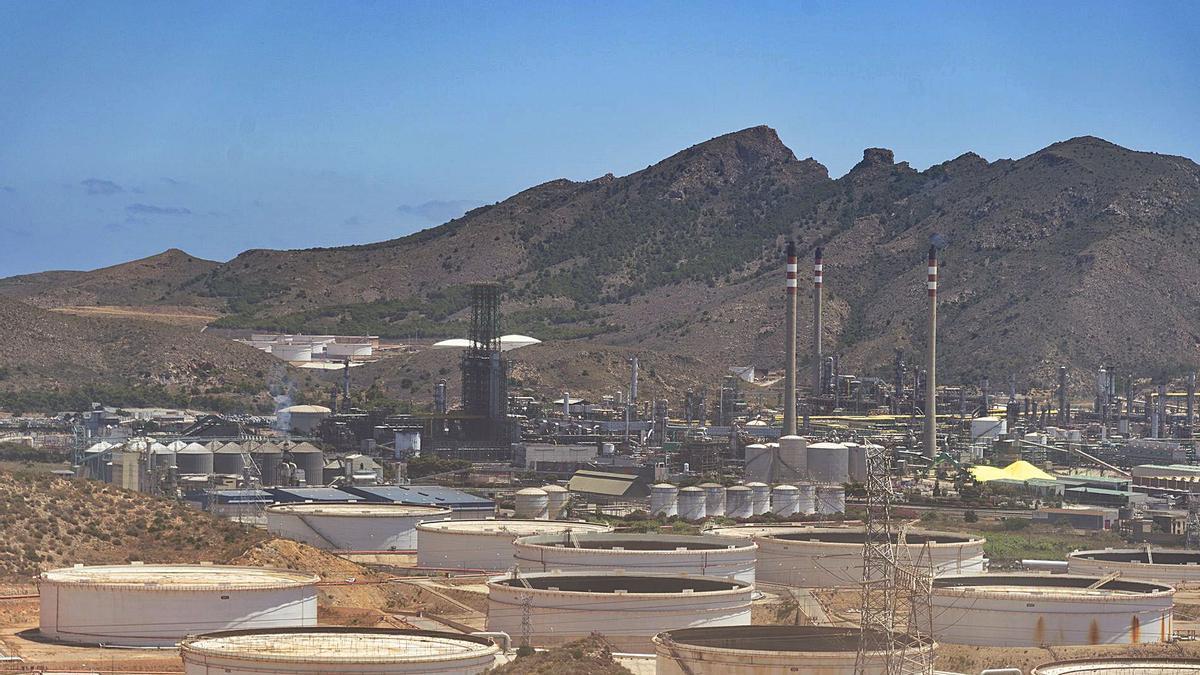 Cartagena registró hace tres años 13,62 microgramos por metro cúbico de partículas en suspensión de menos de 2,5 micras.   IVÁN URQUÍZAR