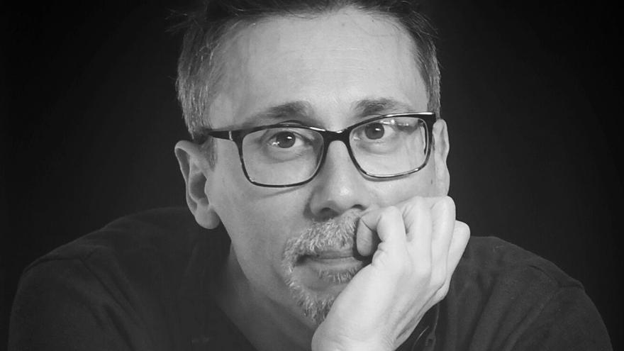 El novelista canario Elio Quiroga gana el Premio de Novela Juvenil y de Fantasía Malas Artes