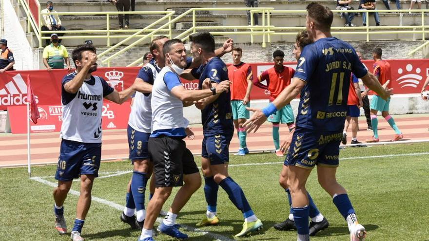 El UCAM Murcia vence al Barça B en penaltis y jugará la final por el ascenso
