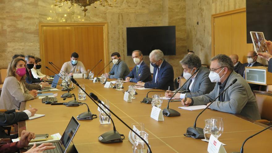 """Ribera: """"Tenemos diez años para organizar bien"""" el futuro de Ence"""