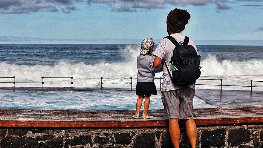 Control en el aforo a las zonas de baño de Bajamar, La Punta y Jóver