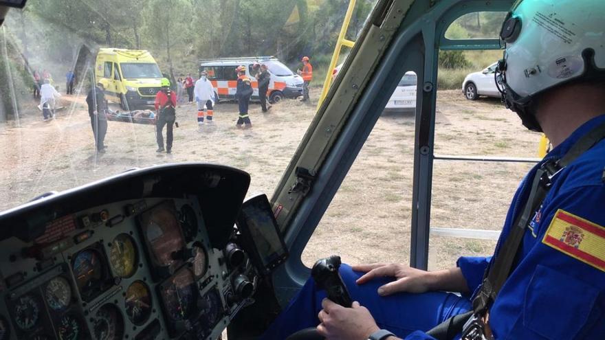 Evacúan en helicóptero a una senderista con una posible fractura de pierna y cadera