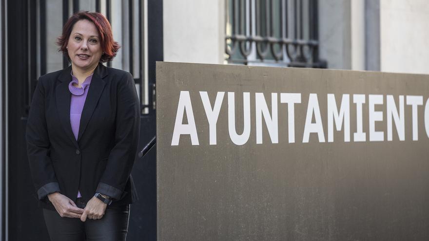 Destitución de la técnico de Cooperación en plenas críticas del sector por la gestión del bipartito de Alicante