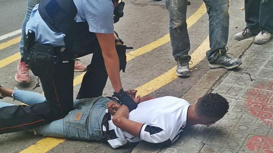 Detingut després de dos robatoris en només mitja hora a Manresa