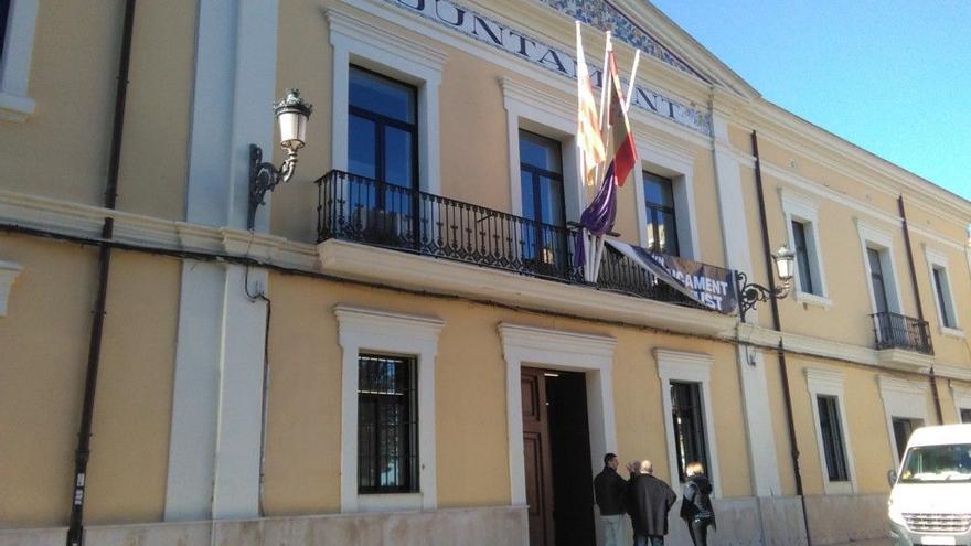 Un juzgado convierte en fijo a un interino del Ayuntamiento de Manises