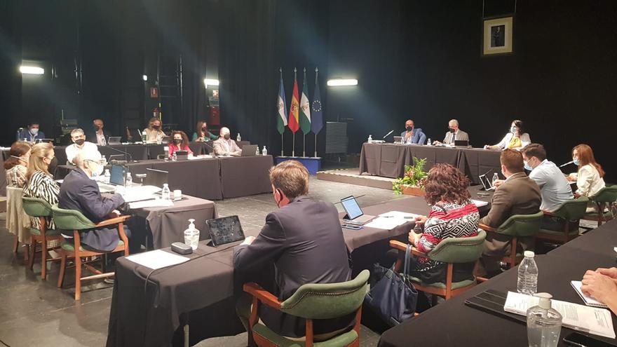 El Pleno de Lucena adjudica la ayuda a domicilio en 7,3 millones de euros