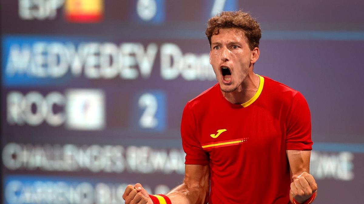 Carreño fulmina al número dos Medvédev y Djokovic reafirma su poderío.