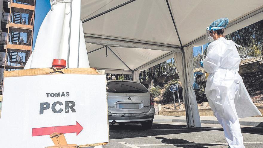 El coronavirus no da tregua en Alicante: más de 1.000 positivos en un día con 43 fallecidos