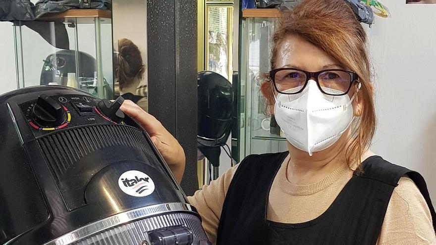 Carmen Nieto: «Los  mayores son los principales clientes del comercio vecinal»