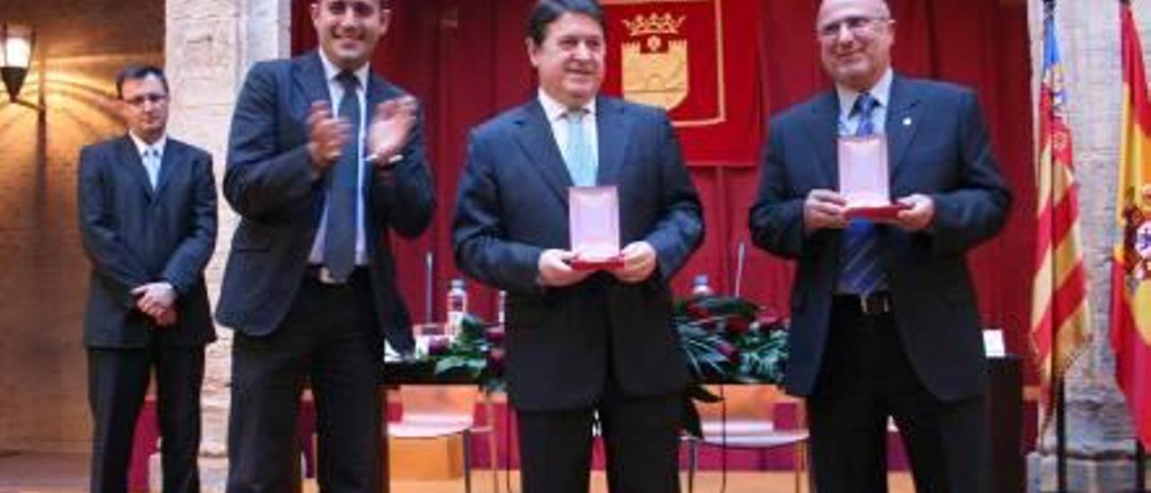 Alaquàs inicia trámites para quitar a Olivas la medalla por sus imputaciones penales