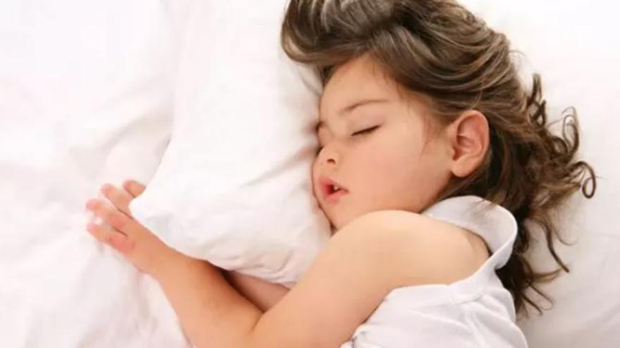 Tres consejos para conseguir que tus hijos duerman bien