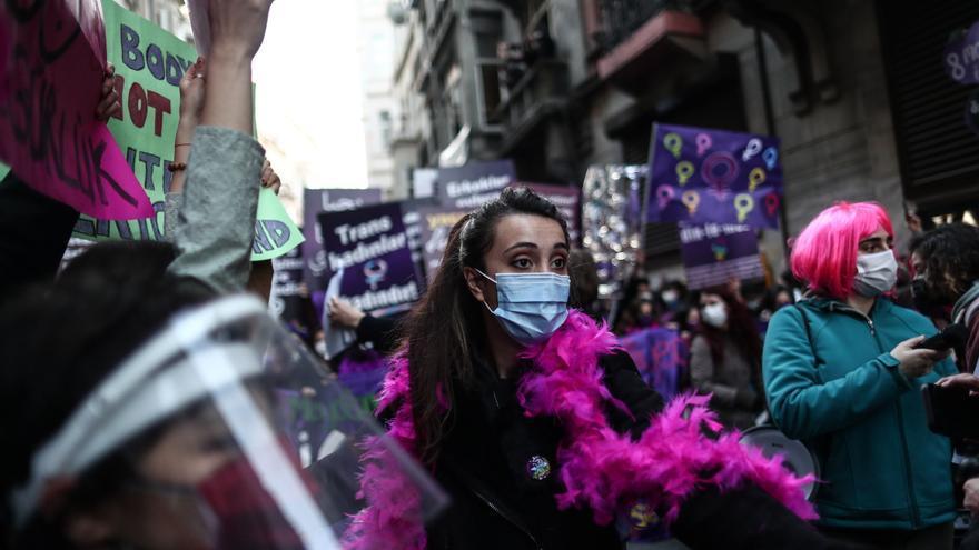 Doce mujeres detenidas en Turquía por insultar a Erdogan durante la marcha del 8M