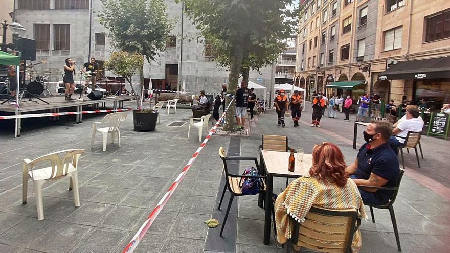 Los bares de Langreo podrán organizar conciertos en sus terrazas este verano