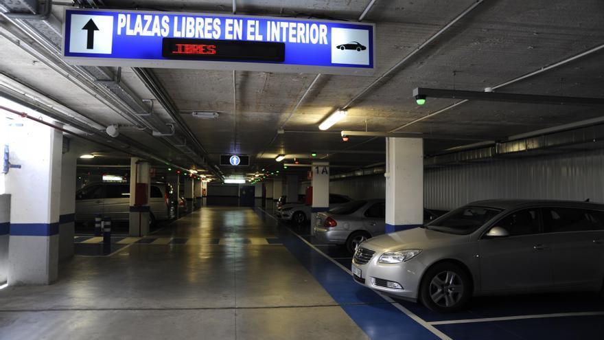 Los aparcamientos municipales en rotación de Málaga recuperan este lunes una cuarta parte de su importe