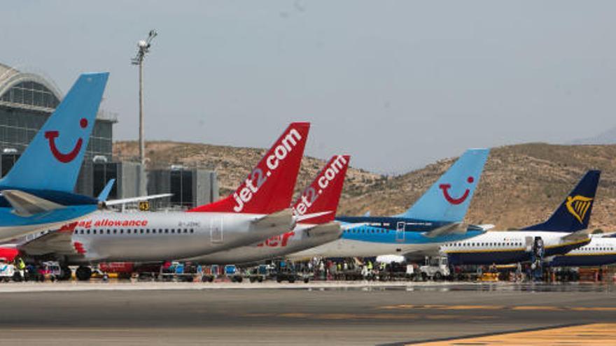 Aterrizaje de emergencia en Alicante de un avión que acababa de despegar