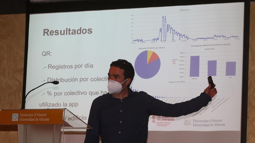Un sistema de rastreo covid por código QR controla los contagios en la UA