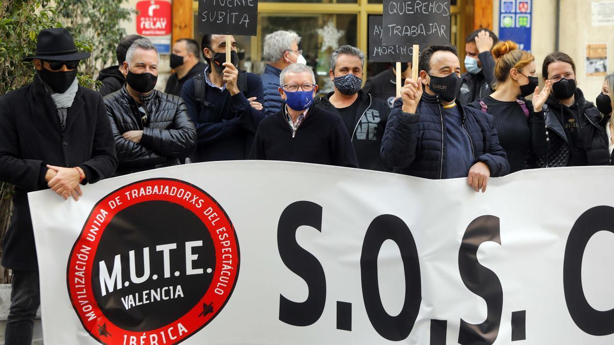 Una de las concentraciones de MUTE en la plaza Manises de València