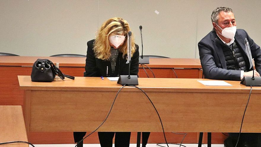 Un jurado juzga a una médica por no prestar auxilio a un paciente que murió