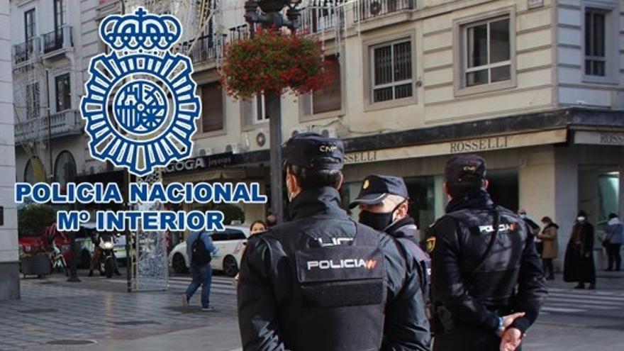 Detenidos dos hombres por el robo con fuerza en un establecimiento de alimentación en Málaga capital