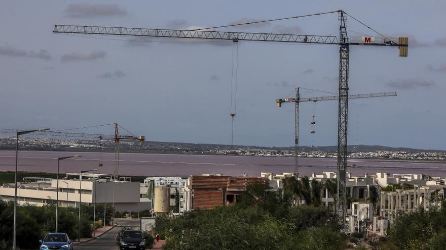 La construcción de viviendas repunta un 43,5% en el tercer trimestre en Alicante