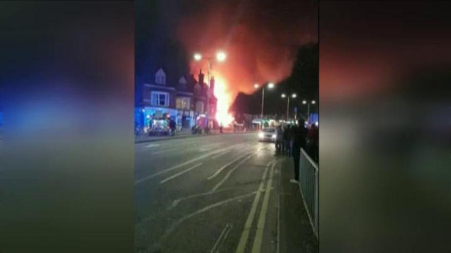 Cuatro muertos por una explosión que derrumbó un edificio en Leicester