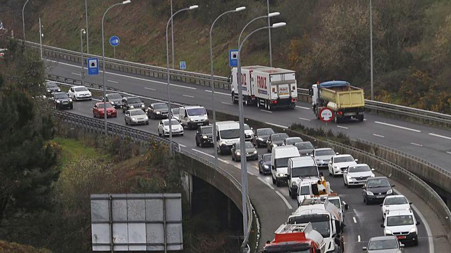 """La patronal tilda de """"agravio"""" los peajes en Galicia y avisa que """"lastran la competitividad"""""""