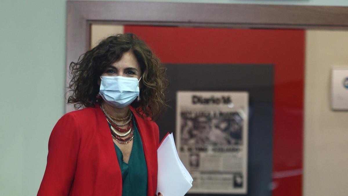 La ministra Portavoz y de Hacienda, María Jesús Montero, a su llegada a una rueda de prensa posterior al Consejo de Ministros en Moncloa.
