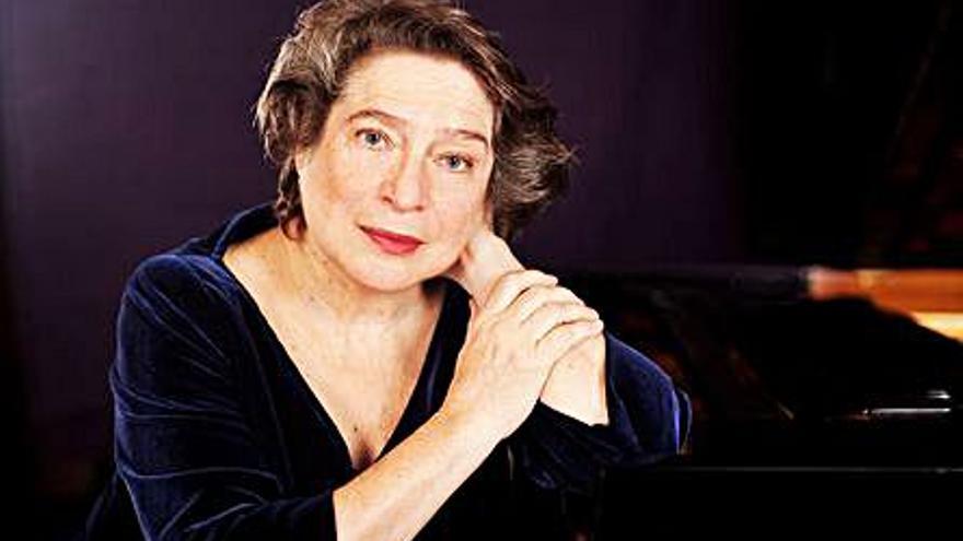 La pianista rusa Elisabeth Leonskaja actúa  hoy en Alicante