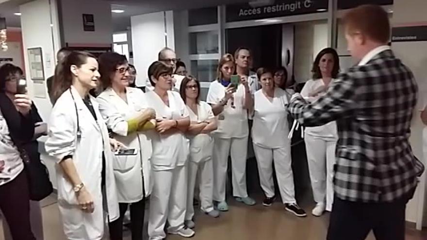 El Mago Yunnke lleva su magia al hospital