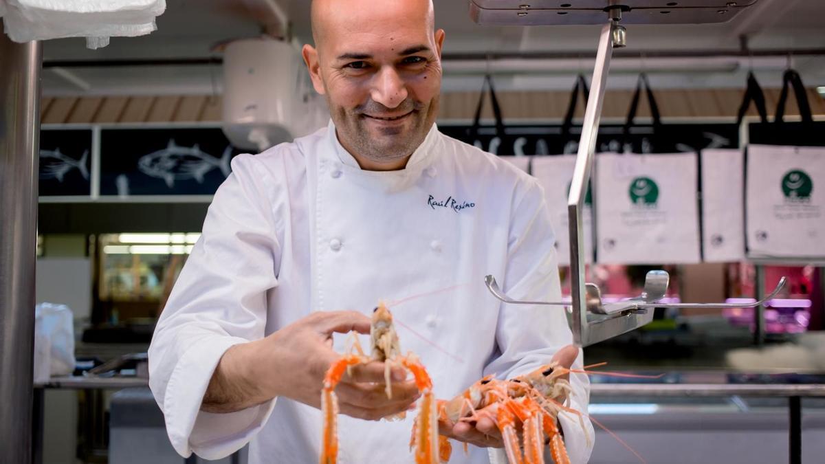Raúl Resino vuelve a encender los fogones de su restaurante