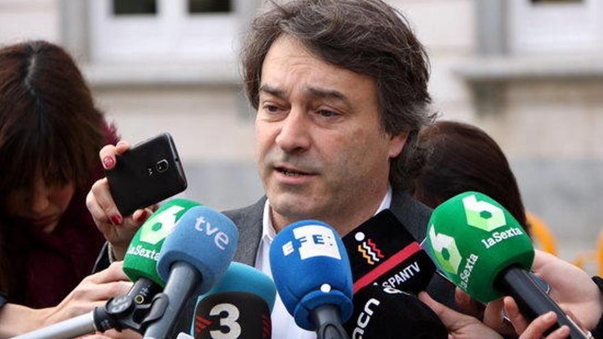 "Munell (JxCat) critica la ""pèrdua de memòria"" de Rajoy, Santamaría i Zoido"