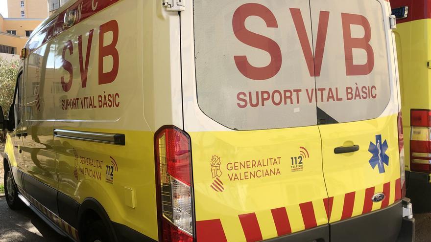 Dos jóvenes resultan heridos tras volcar un coche en un camino de Xilxes