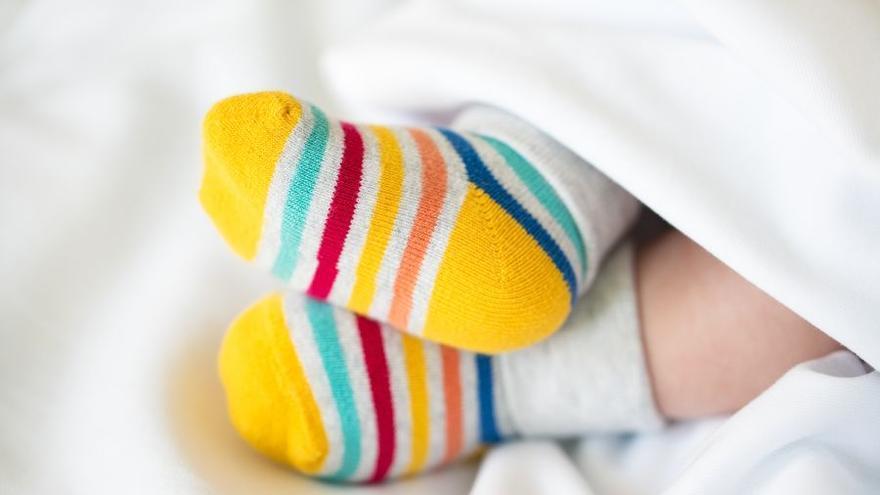 """Da a luz a su bebé, está al borde la muerte por el covid y cuando despierta se olvida de que ha sido madre: """"Fue muy emotivo"""""""