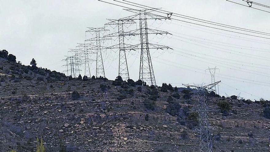 Generalitat y REE se escudan en que solo el Gobierno puede variar la 'autopista eléctrica' proyectada en Castellón