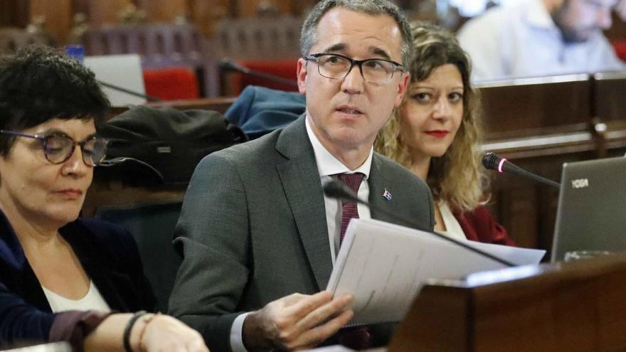"""Salud observa en Asturias una """"falsa confianza"""" frente al covid-19 y reconoce que """"el objetivo es ir hacia la obligatoriedad de la mascarilla"""""""