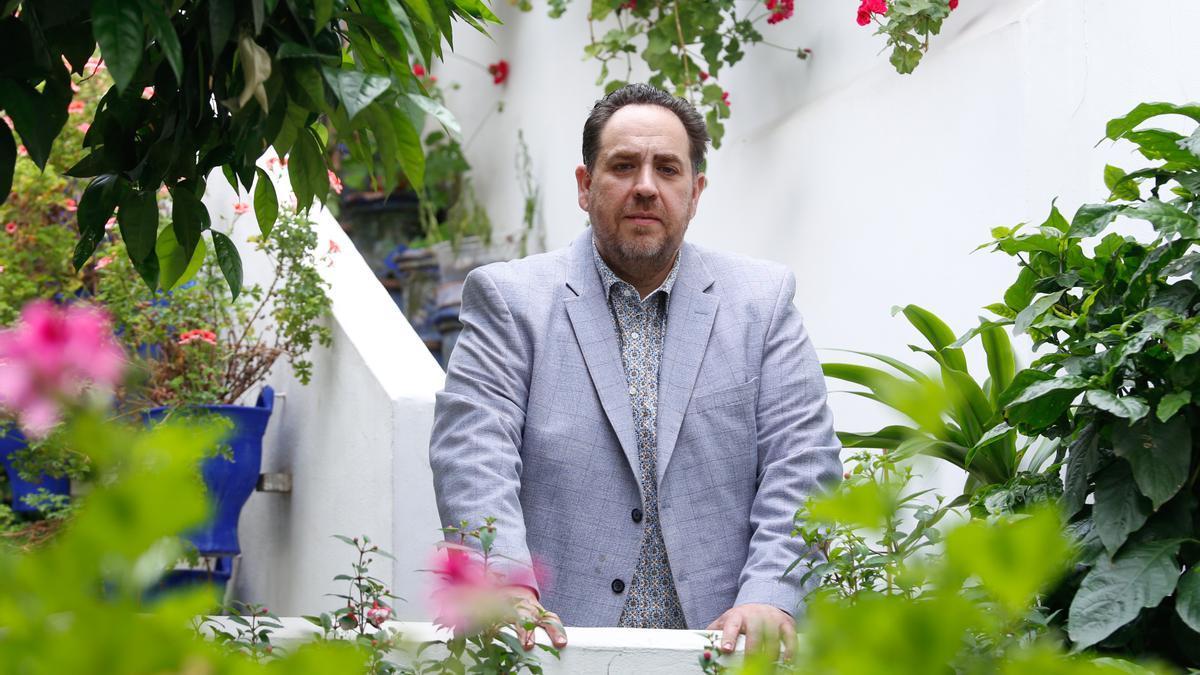 Rafael Barón, presidente de la asociación de cuidadores de patios Claveles y Gitanillas.