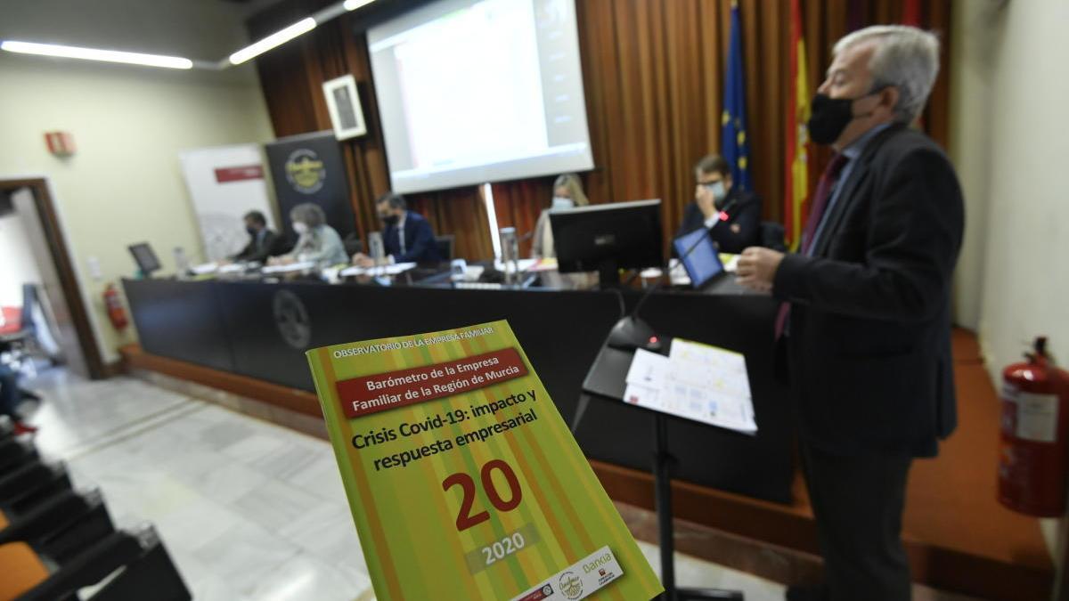 Presentado el 'Barómetro de la empresa familiar de la Región de Murcia 2020'