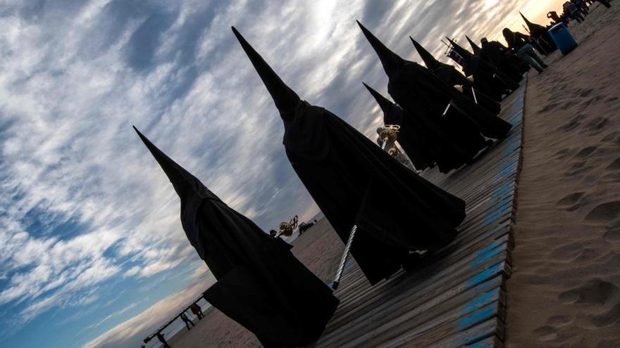 Procesiones del Viernes Santo en València