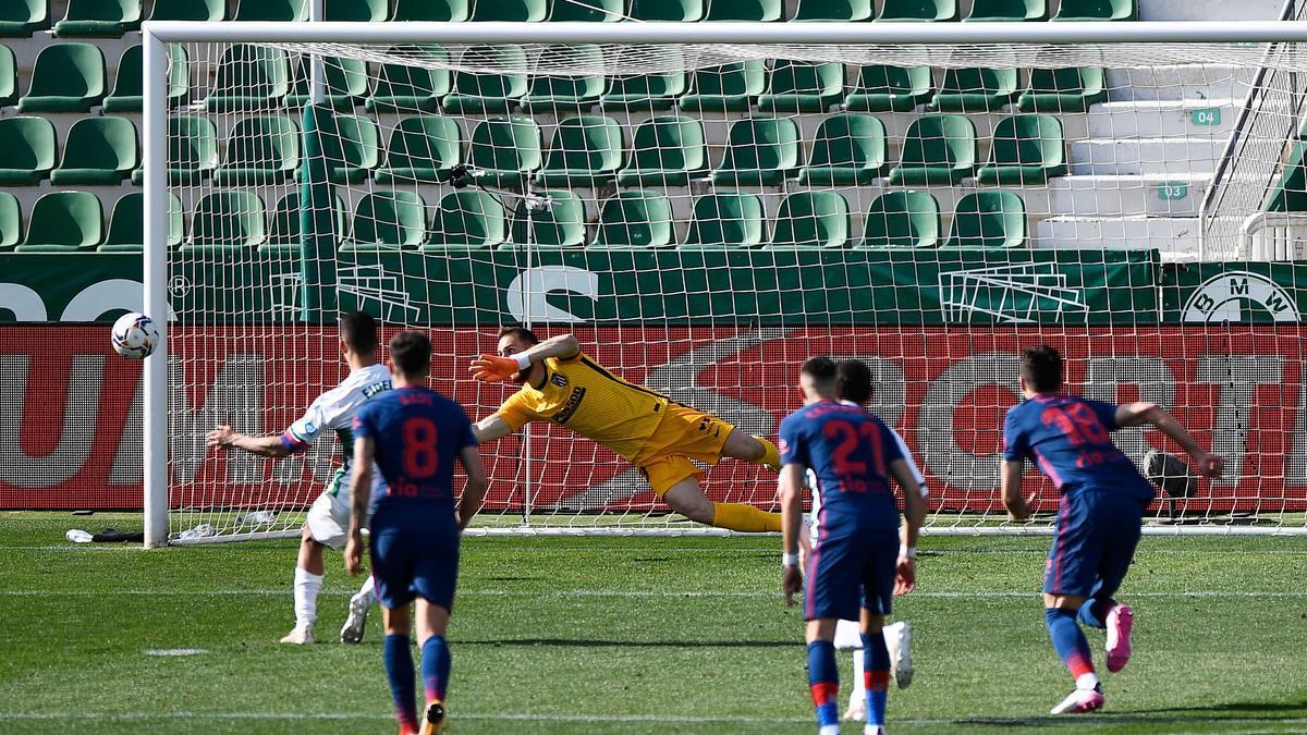 El Elche falló un penalti en el último minuto