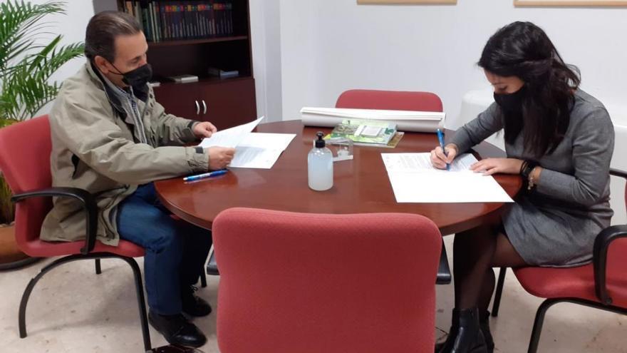 El Imgema suscribe convenios con las asociaciones San Rafael de Alzheimer y Coro de Ópera