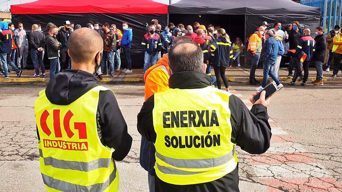 Trabajadores de Alcoa durante una protesta. |   // ELISEO TRIGO